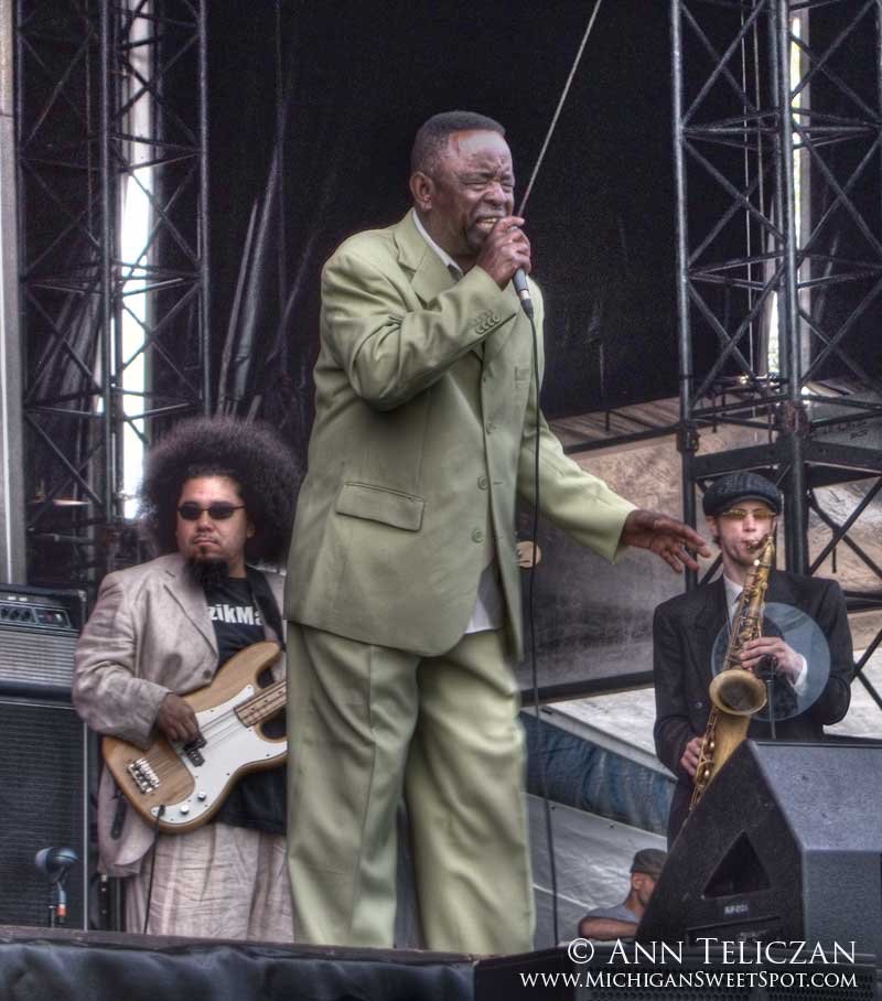 Charles Walker and the Dynamites at the Rothbury Music Festival