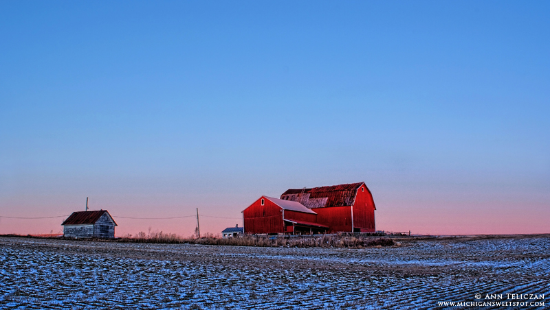 Red Barn on the horizon